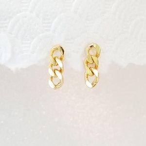 Small golden link chain earrings
